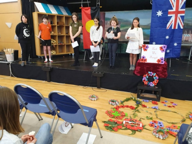 Anzac Day 2021 - Reading poems