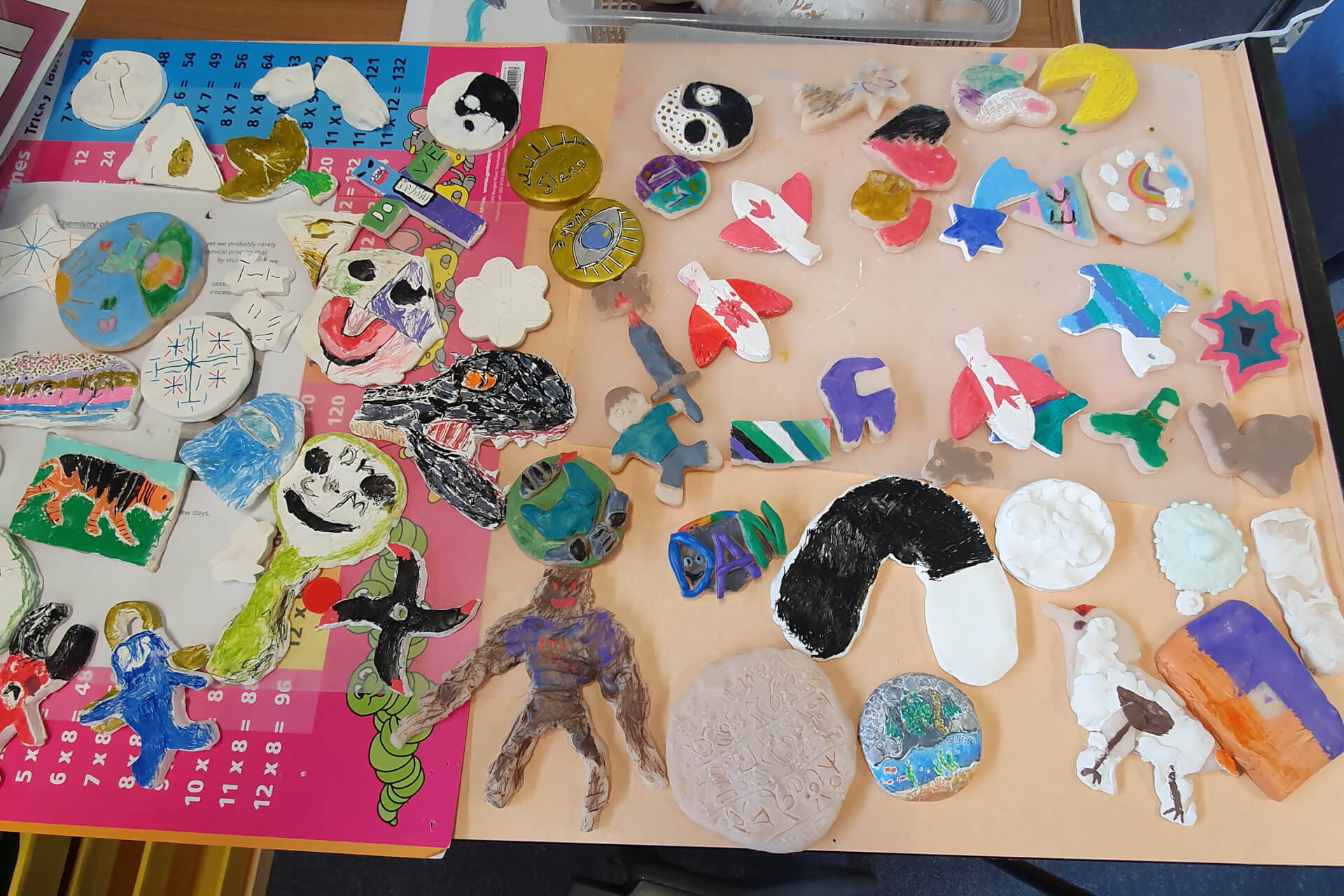 Making colourful mosaics for the Bee Garden